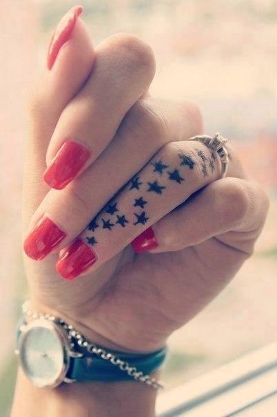 Obrazek Tatuaż Piękny Mały Gwiazdki Suptelny Zdjęcia